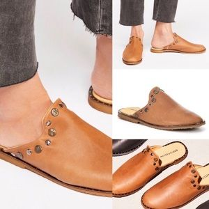 Musse & Cloud Anthro Leather Izzie Mules Slip Ons